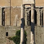 Tempio del Divo Vespasiano - https://www.flickr.com/people/82911286@N03/