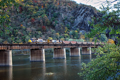 CSX 4553 west empty coal, Harpers Ferry West Virginia 28.10.2007