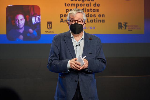 Photo:Alfonso Armada, conductor del evento By Casa de América