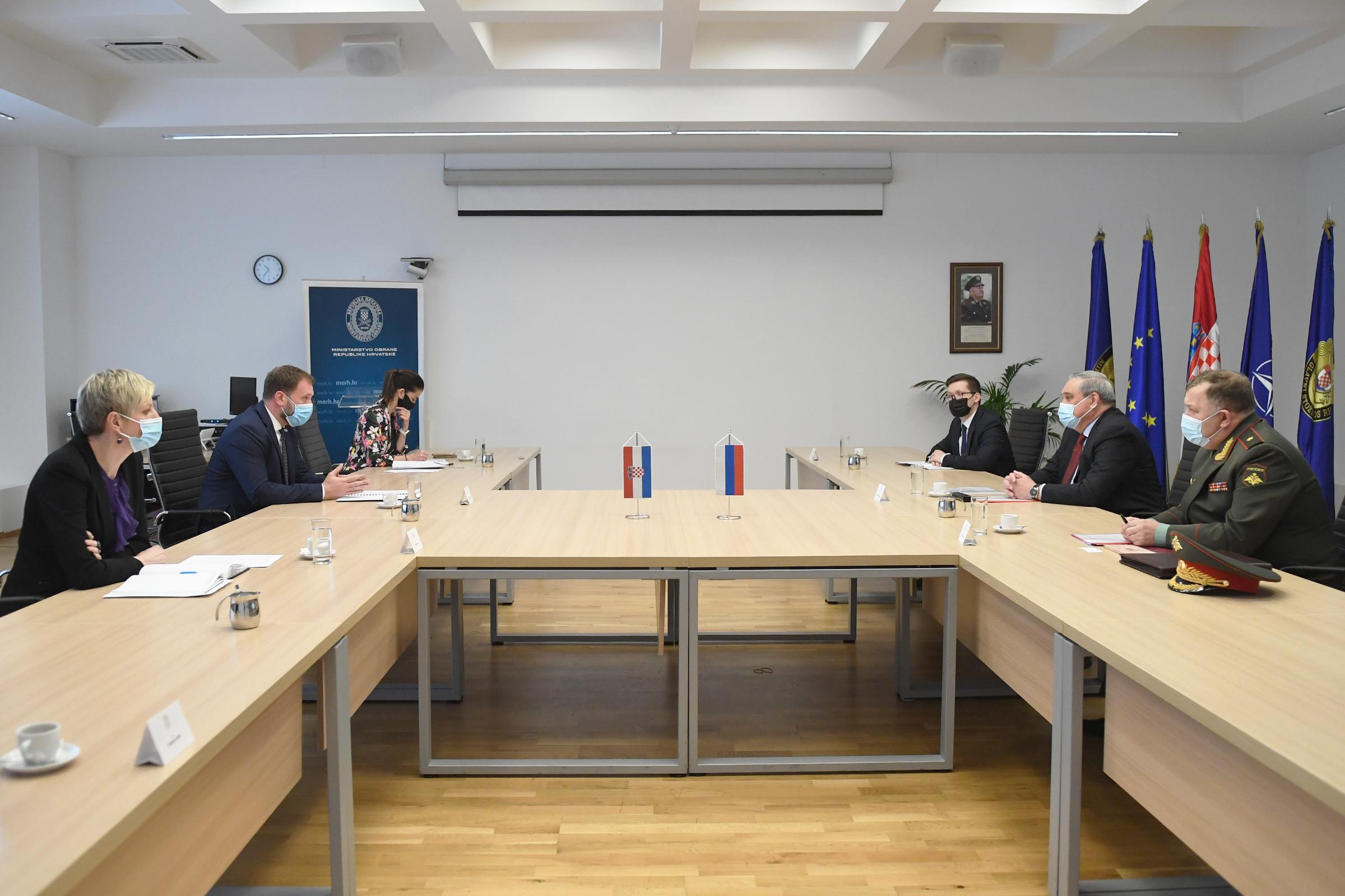 Ministar Banožić s veleposlanikom Ruske Federacije Nesterenkom