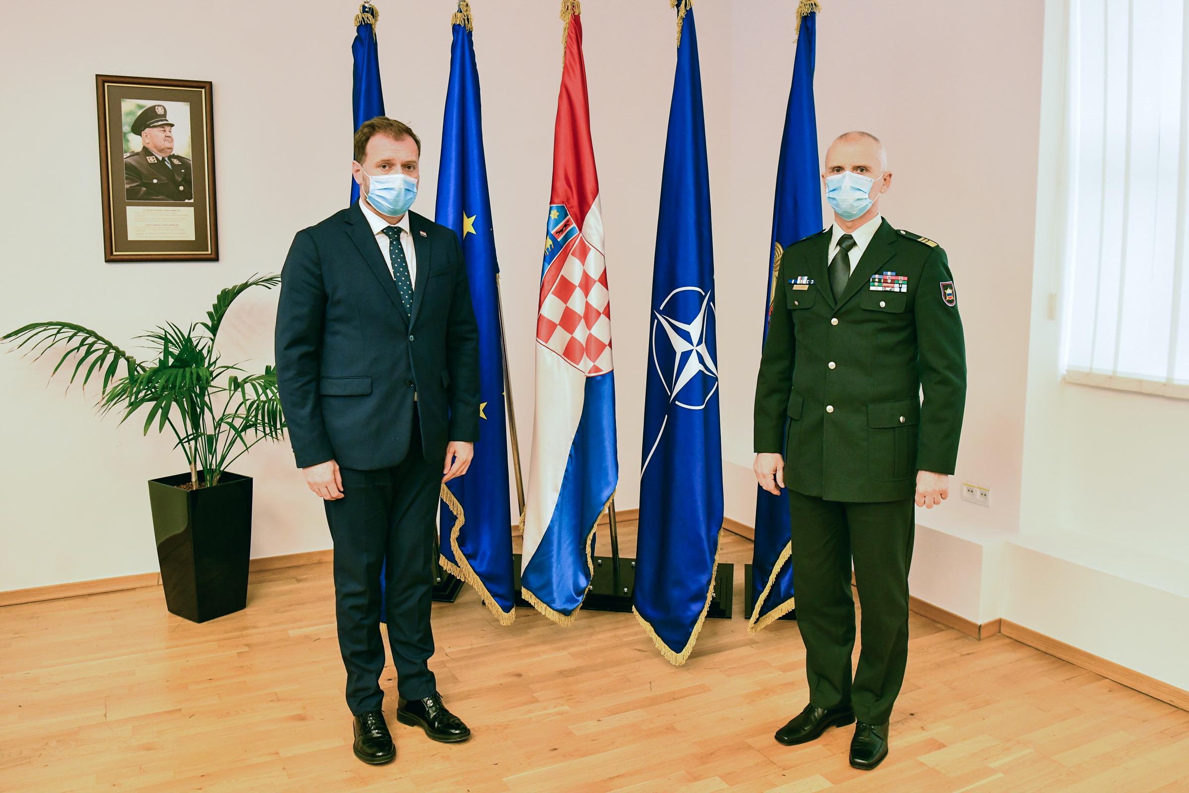 Ministar Banožić s načelnikom Generalštaba Slovenske vojske generalom Glavašem