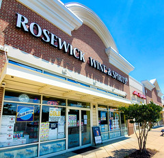 Rosewick Wine & Spirits on a Sunny day.