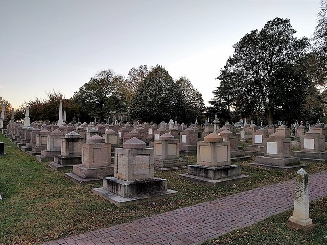 Photo:Washington, DC - Congressional Cemetery By Stabbur's Master