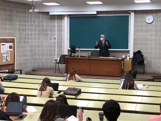 Charla sobre derecho foral del Lugarteniente del Justicia en la Facultad de Derecho