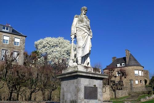 Statue du général Valhubert, Avranches (Manche)