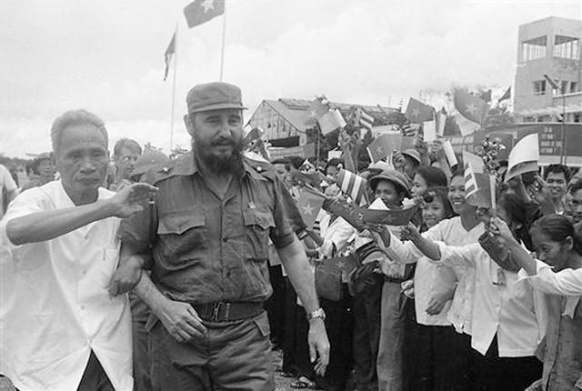 Photo:Vietnam Castro, HANOI 1973 By manhhai