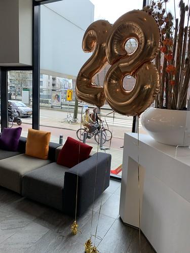 Folieballon Cijfer 28 Verjaardag Mainport Hotel Rotterdam