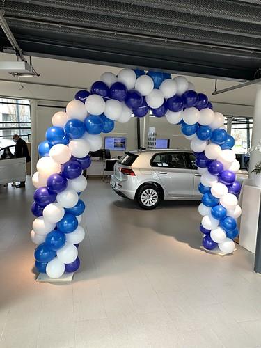 Ballonboog 6m Paasshow Volkswagen Auto Hoogenboom Spijkenisse