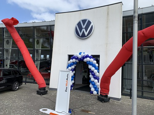 Ballonboog 6m Paasshow Volkswagen Auto Hoogenboom Vlaardingen