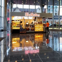 Tim Horton's, Jamaica AirTrain Station