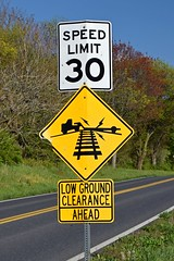 Speed limit and low ground clearance signs [02]
