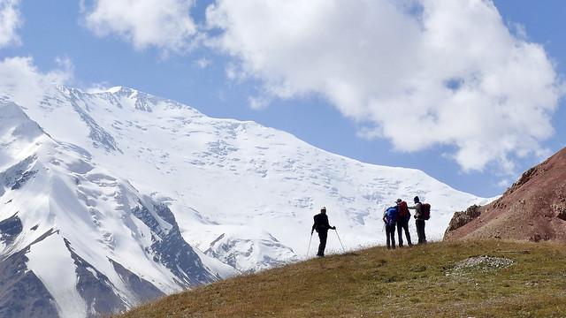 Der Pik Lenin, 7134 m, im Pamir. Diesen Sommer werden Expeditionen und Trekkingreisen auch in Kirgistan wieder gut möglich sein.