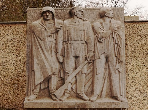 From the Memorial to Polish Soldiers and German Anti-Fascists  showing figures of a Polish and Red Army soldier together with a German resistance fighter.