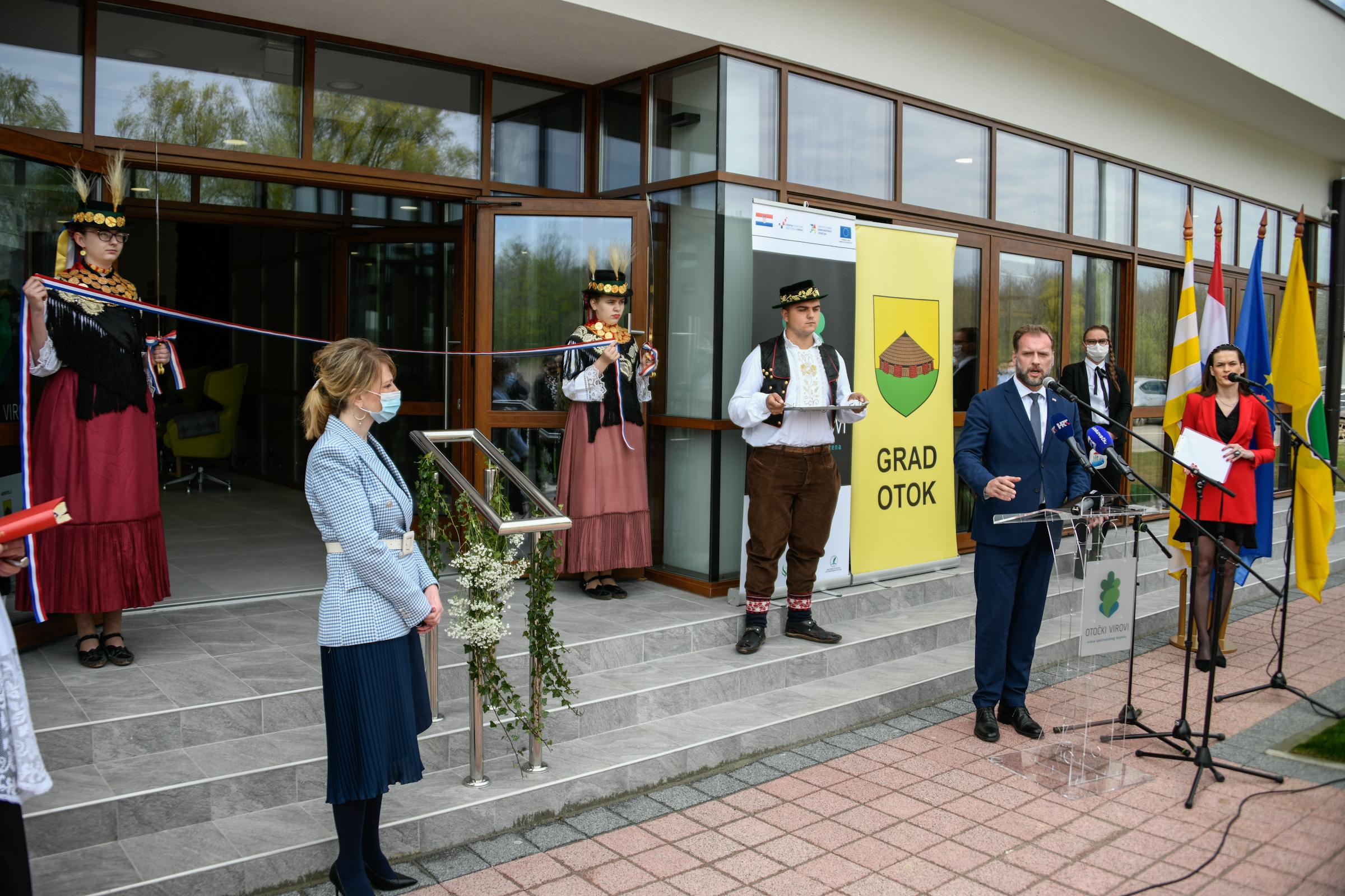 Ministar Banožić na otvorenju Biološko-edukacijskog centra u Otočkim Virovima