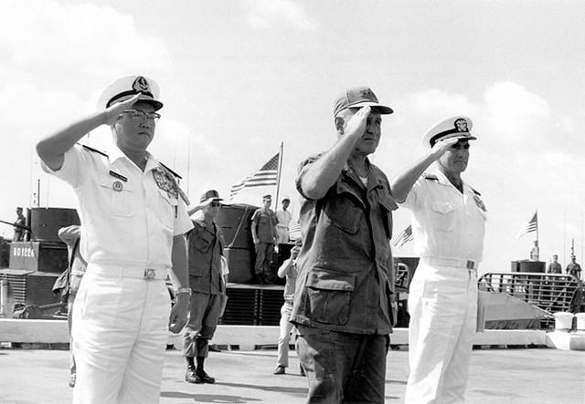 Photo:1969 Đề đốc Trần Văn Chơn, Tướng Creighton Abrams, và Phó đô đốc Elmo Zumwalt By manhhai