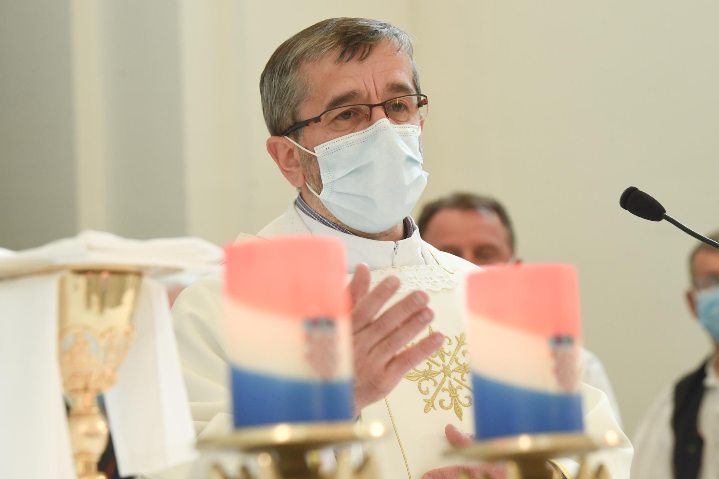 Sveta misa u crkvi sv. Euzebija i Poliona u Vinkovcima