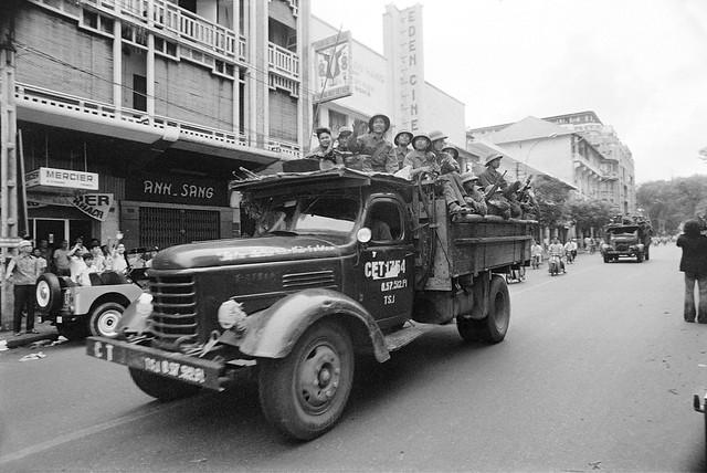 Photo:Fall of Saigon - Bộ đội Cộng sản Bắc VN tiến vào Saigon, thủ đô của Nam VN, ngày 30-4-1975 trên đường Tự Do By manhhai