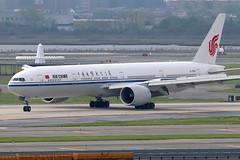 B-1282   Boeing 777-39LER   Air China
