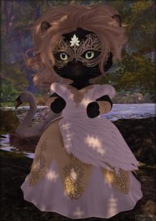 Pieni.art: Fashion Dinkies: Designs by Isaura: Swan Princess