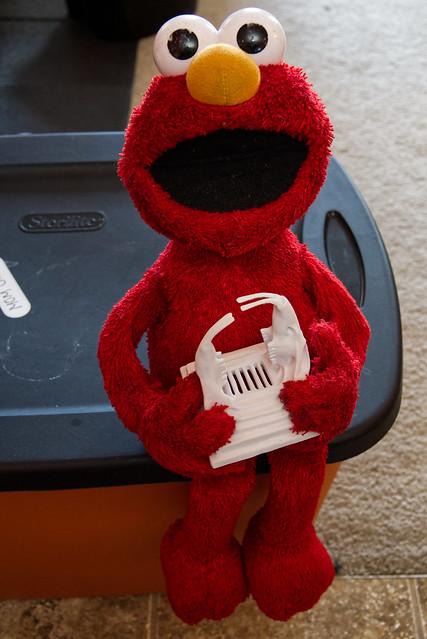 Elmo infests the rat's nest