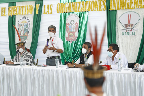 El presidente Francisco Sagasti visita la región Junín. Junto con el titular del Mininter, José Elice, supervisa la donación de explosivos por parte de la Sucamec a la Dirandro PNP. Y, acompañado por seis ministros de Estado, lidera el diálogo entre el Ejecutivo y las organizaciones indígenas de la selva central
