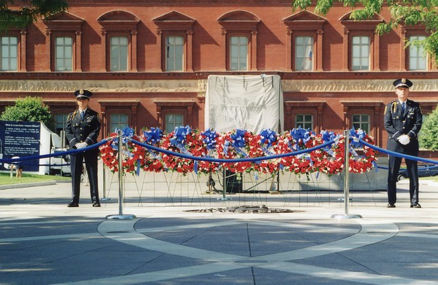 Photo:63a.TheWall.NLEOM.WDC.14May1998 By Elvert Barnes