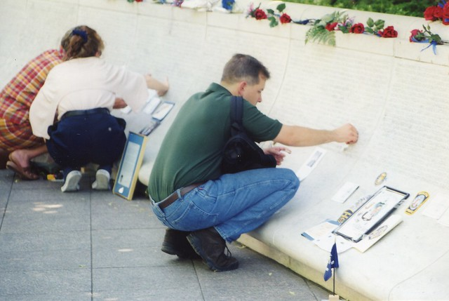 Photo:66.TheWall.NLEOM.WDC.14May1998 By Elvert Barnes