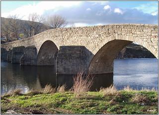 Puente románico sobre el Tormes (El Barco de Ávila, Castilla y León, España, 25-3-2005)
