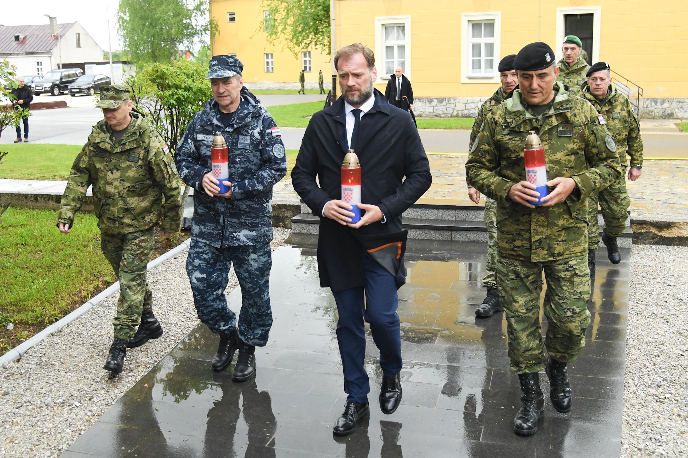 Svečani ispraćaj satnije HRVCON-a u NATO operaciju KFOR u Republiku Kosovo