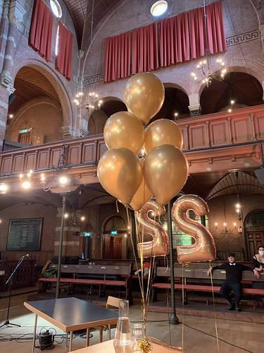 Tafeldecoratie 6ballonnen Chrome Goud Debatpodium Arminius Rotterdam