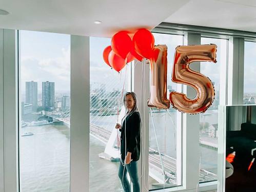 Heliumballonnen Folieballon  Cijfer 15 Verjaardag NHOW Hotel Rotterdam