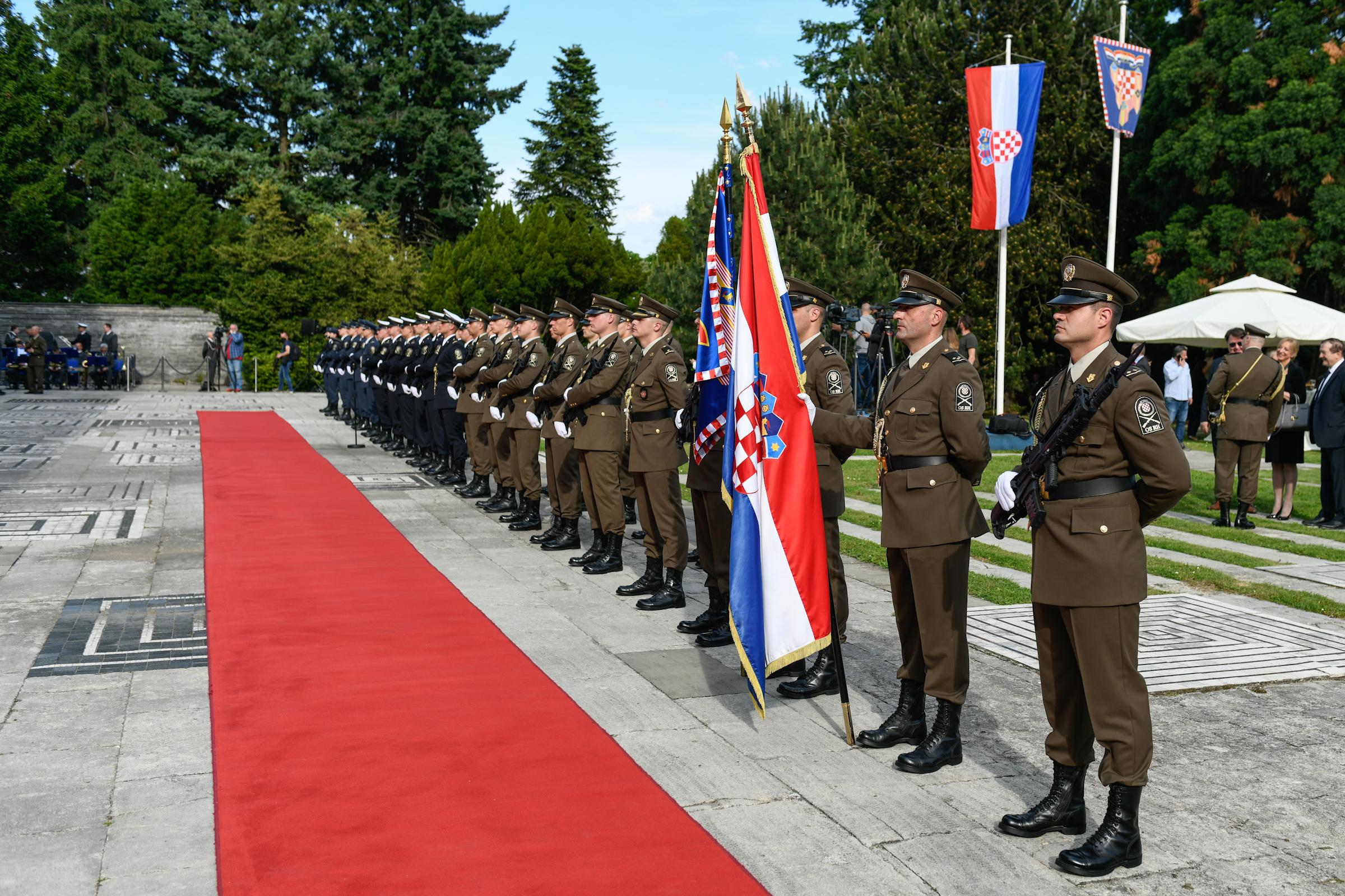 Ministar Banožić i admiral Hranj na prijemu povodom Dana Hrvatske vojske