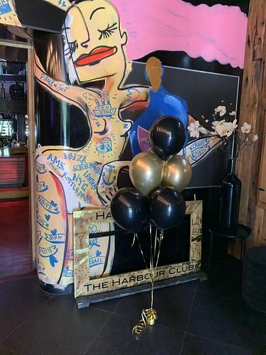 Tafeldecoratie 6ballonnen Harbourclub Rotterdan