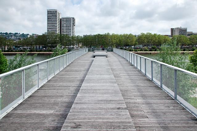 Photo:Passerelle des quais rive gauche By zigazou76