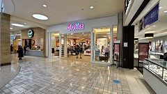 Closing Justice store at Tysons Corner [02]