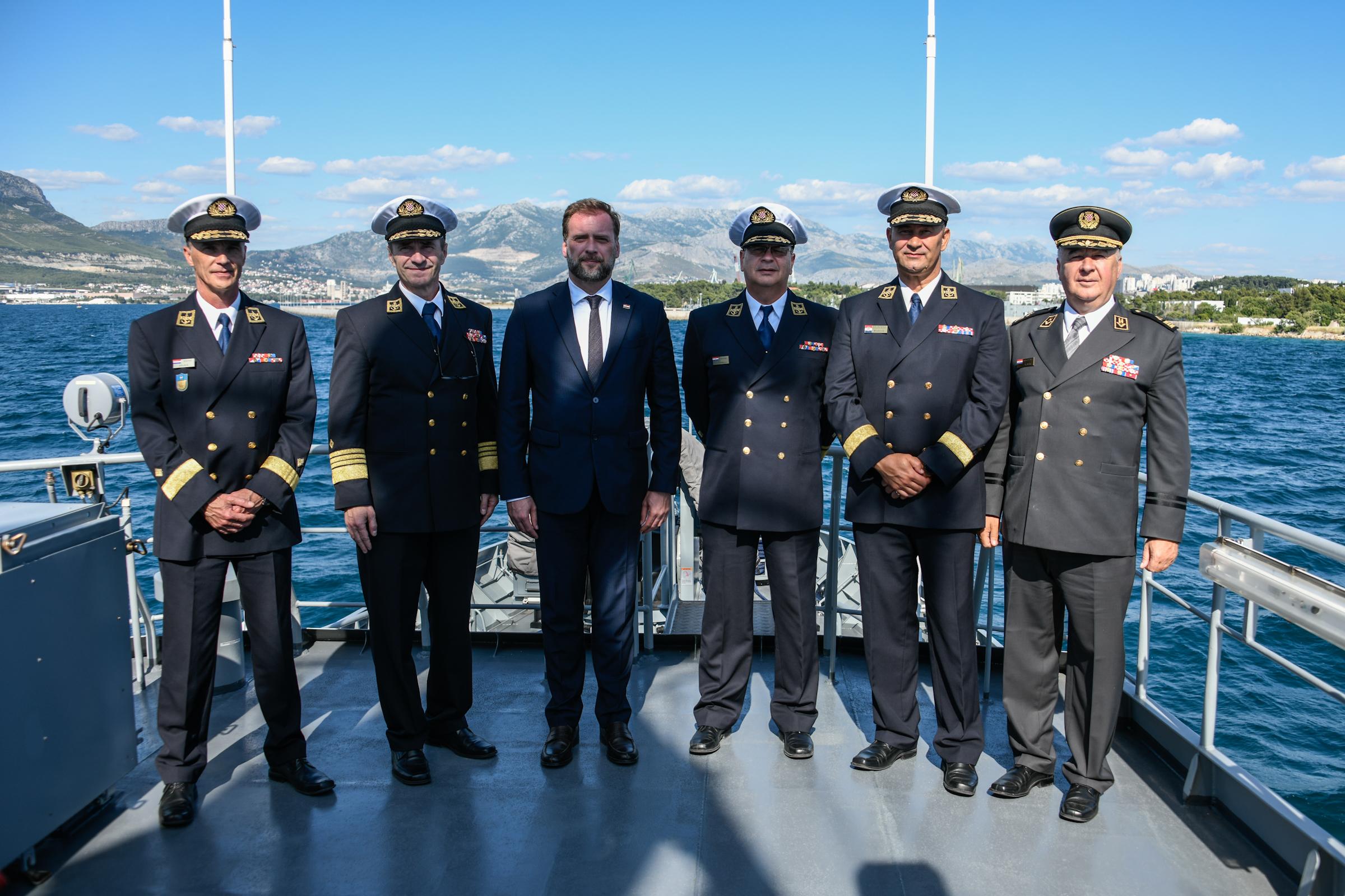 Radni posjet ministra obrane Banožića Hrvatskoj ratnoj mornarici