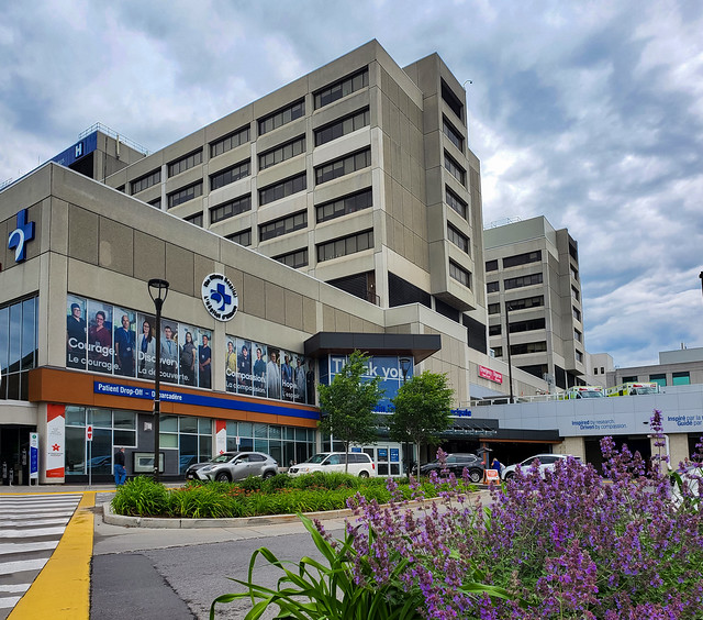 Photo:Modern lines. Buildings around the hospitals area pertaining to Riverside Park neighborhood. The Ottawa Hospital General Campus (TOH GEN) - Main Entrance By lezumbalaberenjena