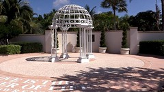 Florida Botanical Gardens at 7 minutes drive to the south ofLargo Dental and Implant Center