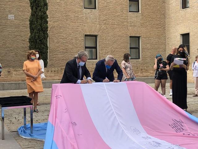 Acto de llegada a Aragón de la Bandera Trans