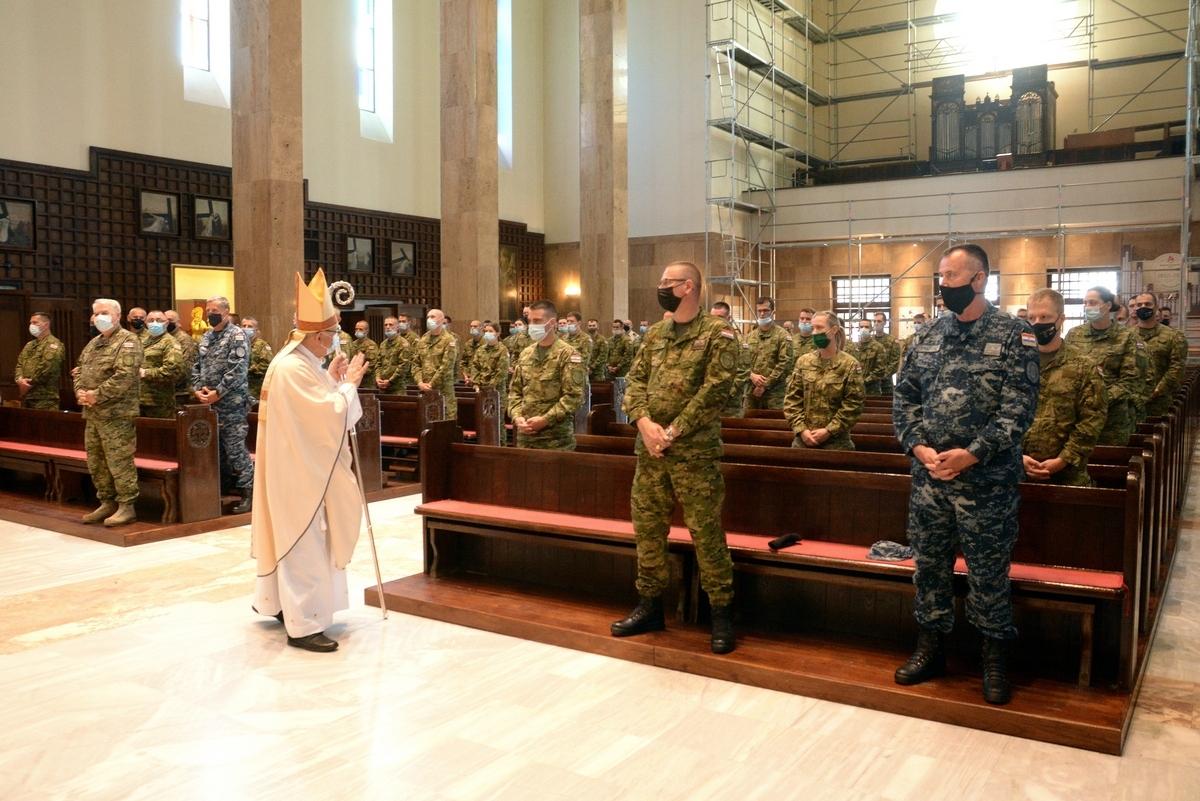 Sveta misa u povodu promocije polaznika vojnih škola HVU