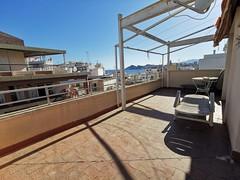 Fabulosas terrazas muy soleadas, con maravillosas vistas al mar de 46 y 43 m2.  Solicite más información a su inmobiliaria de confianza en Benidorm  www.inmobiliariabenidorm.com