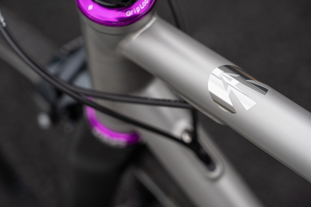 *AFFINITY CYCLES* anthem stainless road