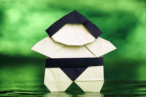 Origami Sumo Wrestler (Eiji Tsuchito)