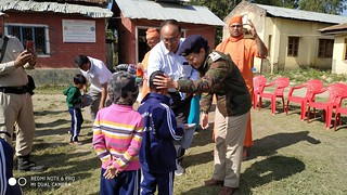 38-Visit of SP & Distribution of Winter Pullovers (4)