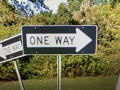 NEW RETRO ONE WAY SIGN