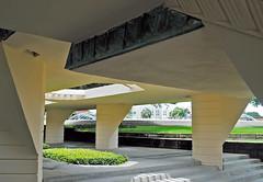 Frank Lloyd Wright Esplanade