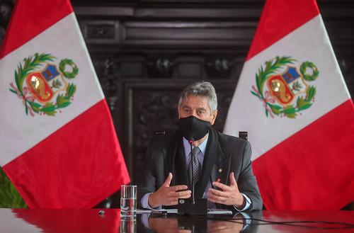 El presidente de la República, Francisco Sagasti, junto con la titular de la Pcm, Violeta Bermudez; brinda la última conferencia de prensa del Gobierno de Transición y Emergencia.