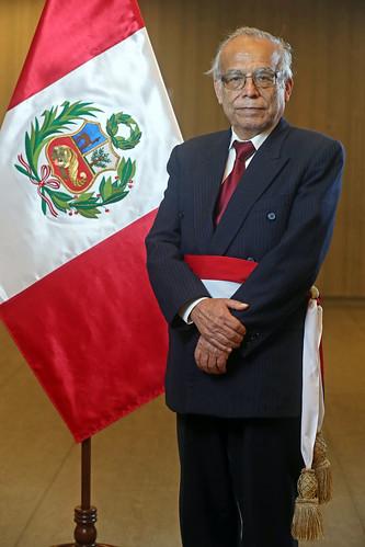 El presidente de la República, Pedro Castillo, juramentó a los nuevos ministros de  Economía y Finanzas y de Justicia y Derechos Humanos, Pedro Francke Ballvé y Anibal Torres Vásquez.
