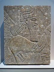 Deidad alada procedente del palacio de Nimrud, Asiria. Kimbell Art Museum, Fort Worth 🇺🇸