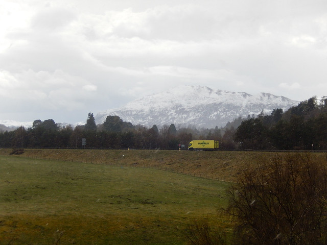 Photo:Creag Bheag and the A86 in a blizzard, 2021 May 06 By Dunnock_D